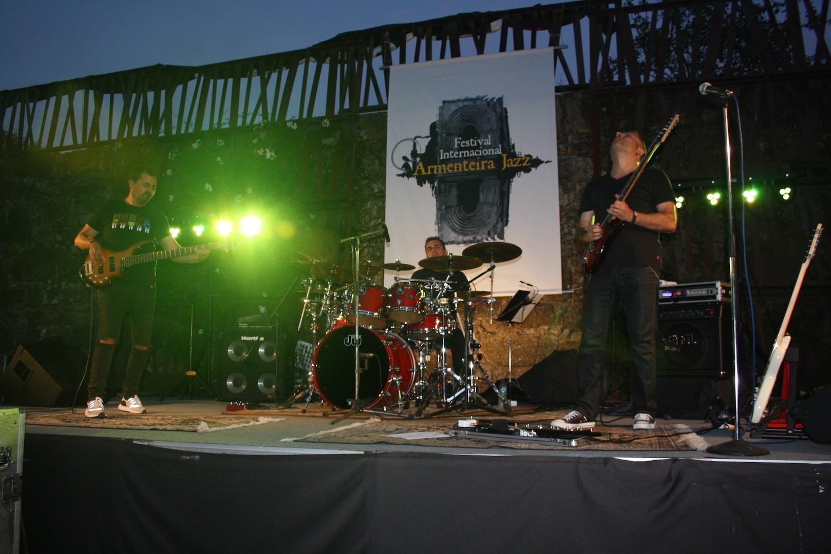 MR.RIVER en el escenario de armenteira jazz